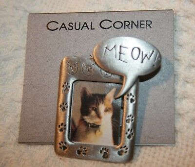 JJ Jonette Jewelry Meow Kitty Cat Photo Frame Pewter Color Pin Brooch