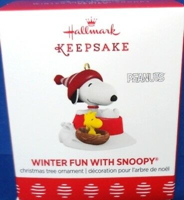 2017 Winter Fun With Snoopy Hallmark Retired Miniature Series Ornament
