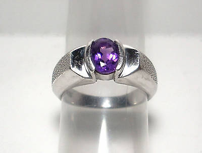 Beautiful Ladies Sterling Silver & Amethyst Ring Size 7.25
