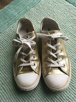bc28fe16ec86 GIRLS GOLD CONVERSE Leather Trainers Size 2.5 VGC - £6.30