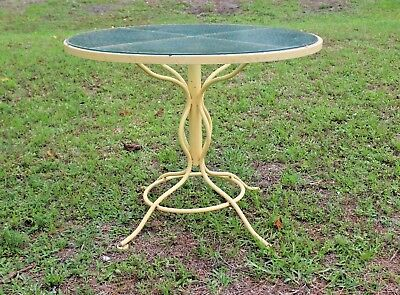 "Russell Woodard Mcm 36"" Round ""sculptura"" Table - Orig Glass With Umbrella Hole"