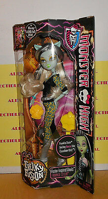 2014 Monster High - Freaky Fusion Inspired Ghouls - Frankie Stein