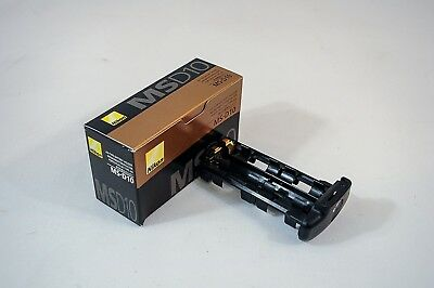 NIKON MS-D10 AA BATTERY HOLDER for MB-D10 GRIP Never used