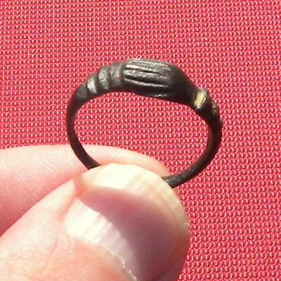 Rare Ancient Roman wedding band ring - clasped hands - Excellent Condition