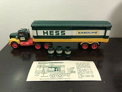 1975 Hess Fuel Oils 18 Wheeler Tractor Trailer With Three Fuel Oil Barrels