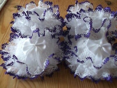 HAND KNITTED BABY SHOE//BOOTIES WHITE//PURPLE-TO FIT 0-3 MONTHS// REBORN DOLL-B19
