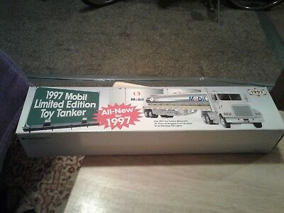 Mobil Toy Tanker Truck 1997 Limited Edition  UNUSED
