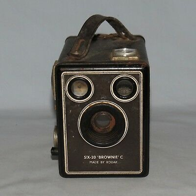 KODAK SIX 20 BROWNIE C BOX CAMERA nice condition