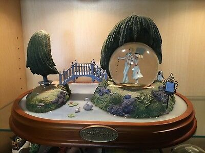 Disney MARY POPPINS Large Spinning Musical Snow Globe VERY RARE