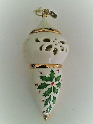 LENOX  2011 ANNUAL PIERCED SPIRE ORNAMENT w/ HOLLY BERRIES