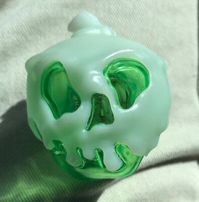 Disney Parks Halloween 2018 Evil Queen Poison Apple GLOW CUBE NEW