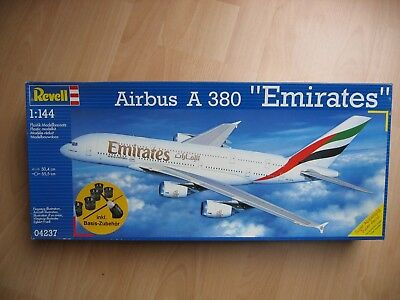 REVELL 1/144 Airbus A 380  Emirates # 04237