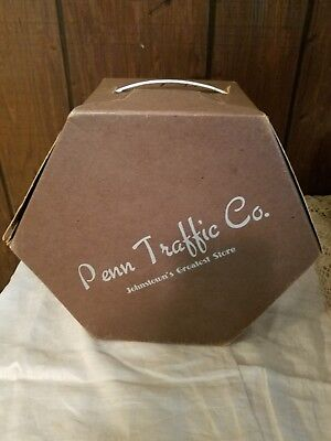 Vintage hat box 6-sided hexagon Penn Traffic Co. Johnstown's Greatest Store PA