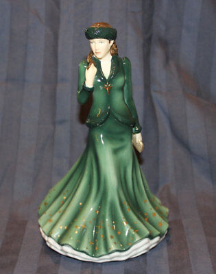 Royal Doulton 2015 O HOLY NIGHT FIGURINE HN 5759 Songs of Christmas New In Box