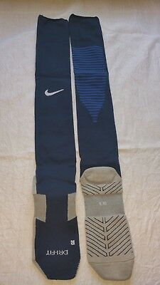 18 x Nike Team Match Fit Core OTC Stutzen Gr. M 38-42