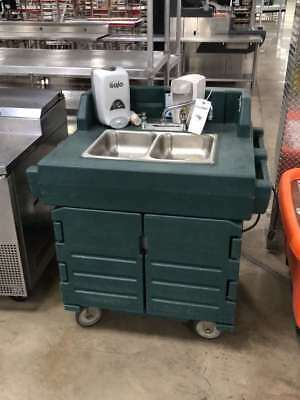 Cambro KSC402 Portable 2 Compartment Hand Washing Sink 110v Water Heater