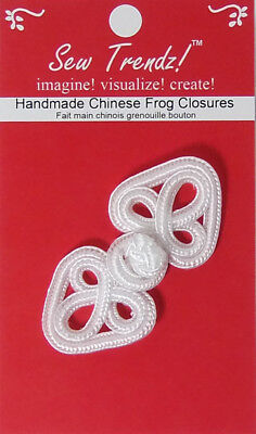 "Frogs Button Closures-White-2.75""x1.25""-Flower in a Heart - 1 Pair/pk - #FG4656"