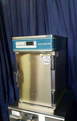 ALTO-SHAAM commercial Cook and Hold Oven model 500-TH/III  Slightly Used
