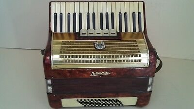 Weltmeister 60 Bass Accordion Akkordeon Fisarmonica Red +Case