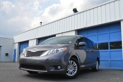 Toyota Sienna XLE V6 7 Passenger Auto Access Seat Leather Moonroof DVD Navigation Rear View Cam Power Everything Excellent Loaded