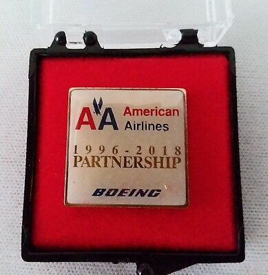 AA  American Airlines & Boeing 1996-2018 Partnership Pin, Rollout of 777-200