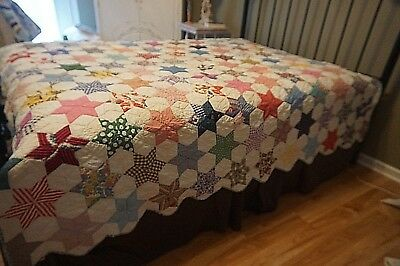 Indiana-Quilts Antique Touching Stars Quilt Farmhouse Style Feedsacks Scalloped