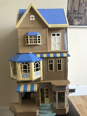 Sylvanian Families Brambles Cafe /department Store With Furniture