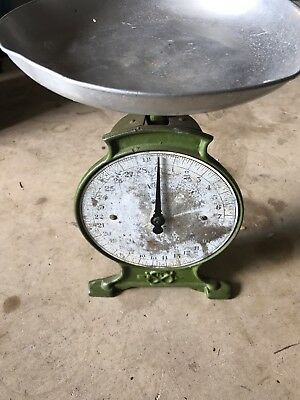 Vintage Weighing  Salter Scale