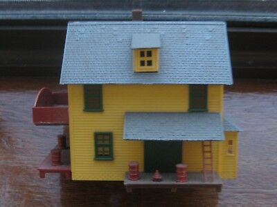 United States. Country Farm House. HO Scale. No Box.