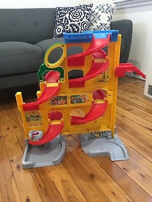 Fisher Price Little People Carpark/Garage. Pick Up Only!