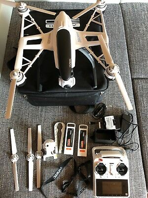 YUNEEC Q500 Typhoon Multicopter mit 12 Megapixel bzw. 1080p/60fps Full HD Drohne