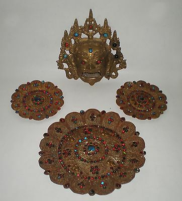 Antique wall mask / burner and 3 wall plates from Burma, bronze / brass