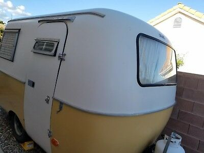 13 ft Vintage Boler Fiberglass Camper, 1974 yellow/white Made in Canada, 900 lbs