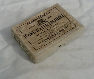WINSOR NEWTON'S CAKE WATER COLOUR ARTISTS PAINT BOX.QUEEN MARY.Draughtsmen's