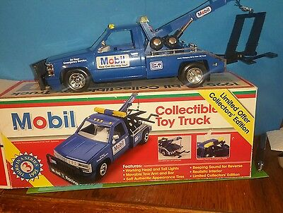 Toy Tow Truck Collectible 1995 Chev. Mobil #3 in Series, in Original Box