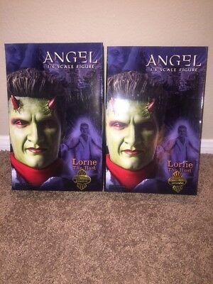 """Lorne the Host - Angel - Sideshow Exclusives - Yellow & Blue Suits - 12"""" Figures"""