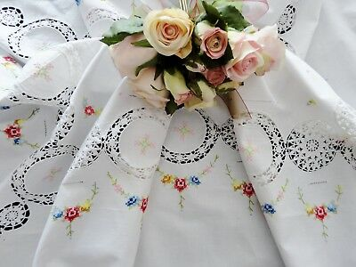 Vintage Cross Stitched Table Cloth & Serviettes New with Tag