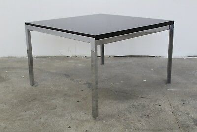 Table basse chrome et noire , Florence Knoll, modele T-angle, fabrication knoll
