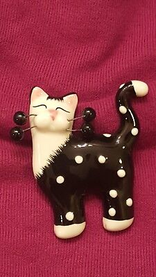 cat pin collectable.  pin. Art. Ceramic pin. Jewelry. Design. Love. Cats.