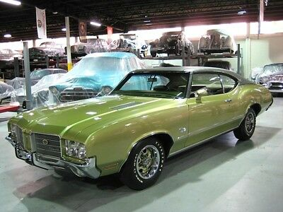1971 Oldsmobile Cutlass  24,000 miles . Museum Quality . 1st Place Show Winner . South Florida