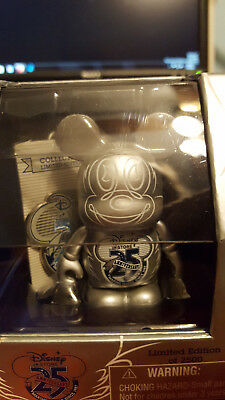 2011 D23 EXPO Disney Store 25th Anniversary Vinylmation & Pin Limited to 2500