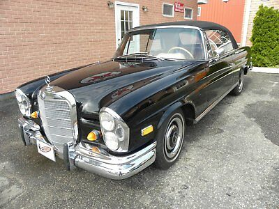 1967 Mercedes-Benz 200-Series  1967 Mercedes-Benz 250 SE convertible