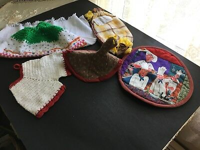 5 vintage crocheted pot holders and miscellaneous kitchen items all hand made