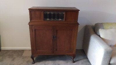 Beautiful Antique Lead Light Lift Top Cabinet Drinks Bar