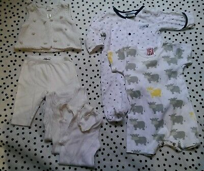 Newborn mixed pack clothes Size 000 Gender neutral