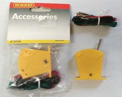 2 x Hornby R046 Yellow On-On Lever Switches OO Gauge