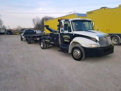 2003 International 4300 Wrecker