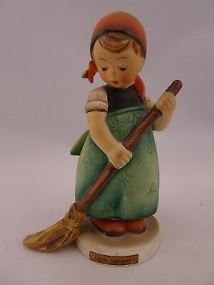 "4 1/2"" Hummel Figurine Little Sweeper #171 TMK 3 Excellent Condition"