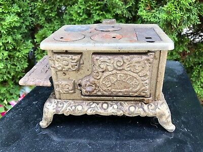 ANTIQUE EAGLE CAST IRON SALESMAN SAMPLE STOVE OVEN Ornate ADVERTISING TOY 771