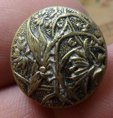 """NICE 3/4"""" Paris Back Plant and Dragonfly Brass Antique Button 431:24"""